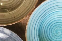 piatti-colorati-magazzini-doni